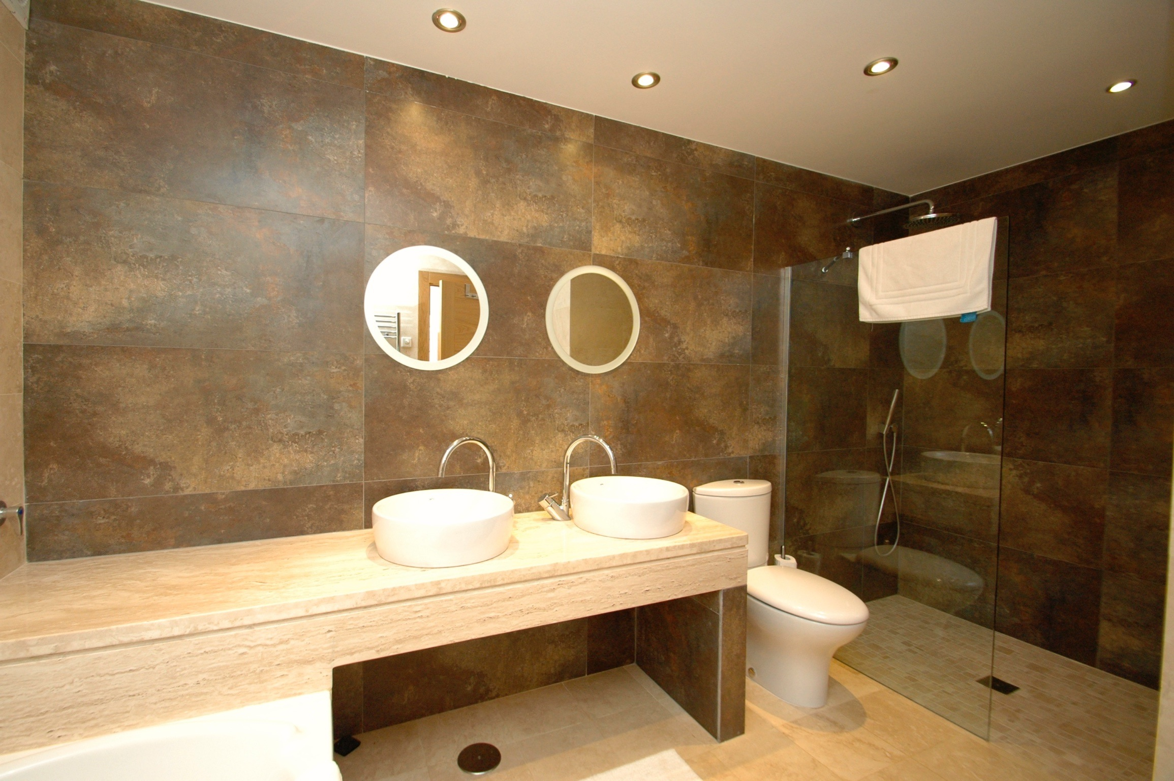 Vista del Golf Bathroom 1