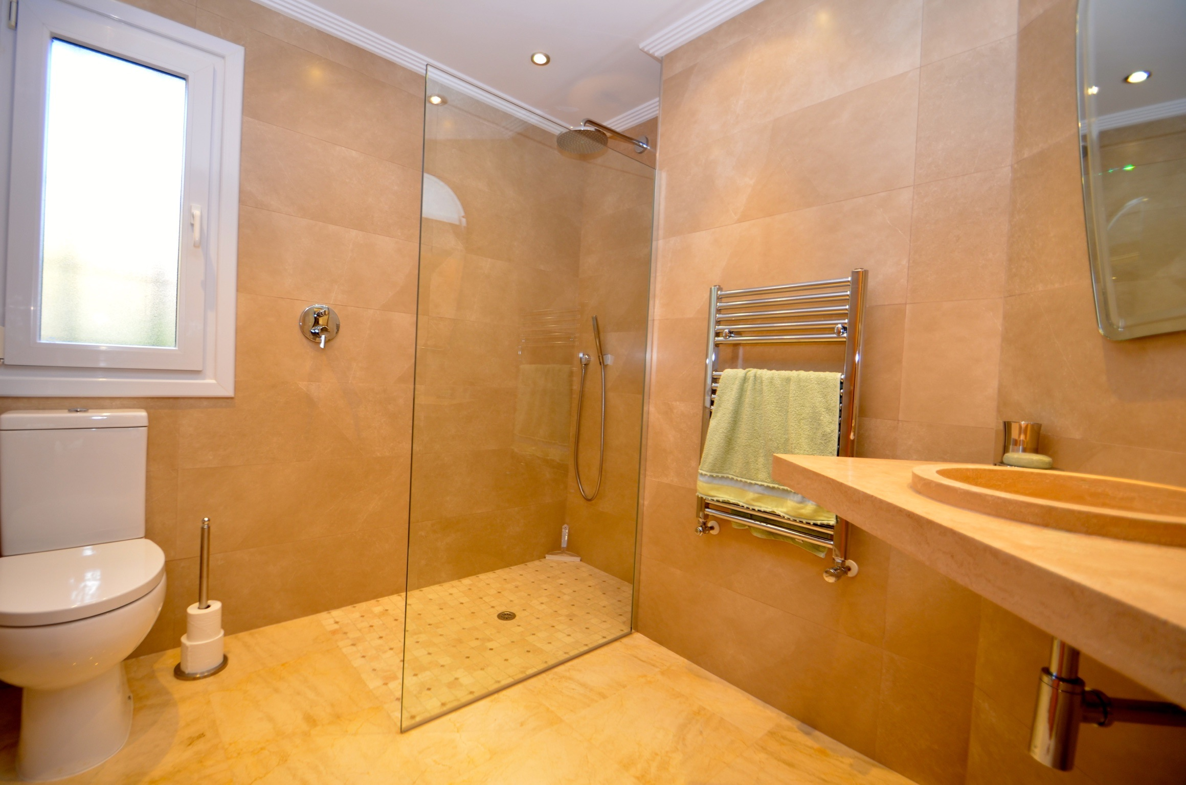 Mimosa Bathroom 1