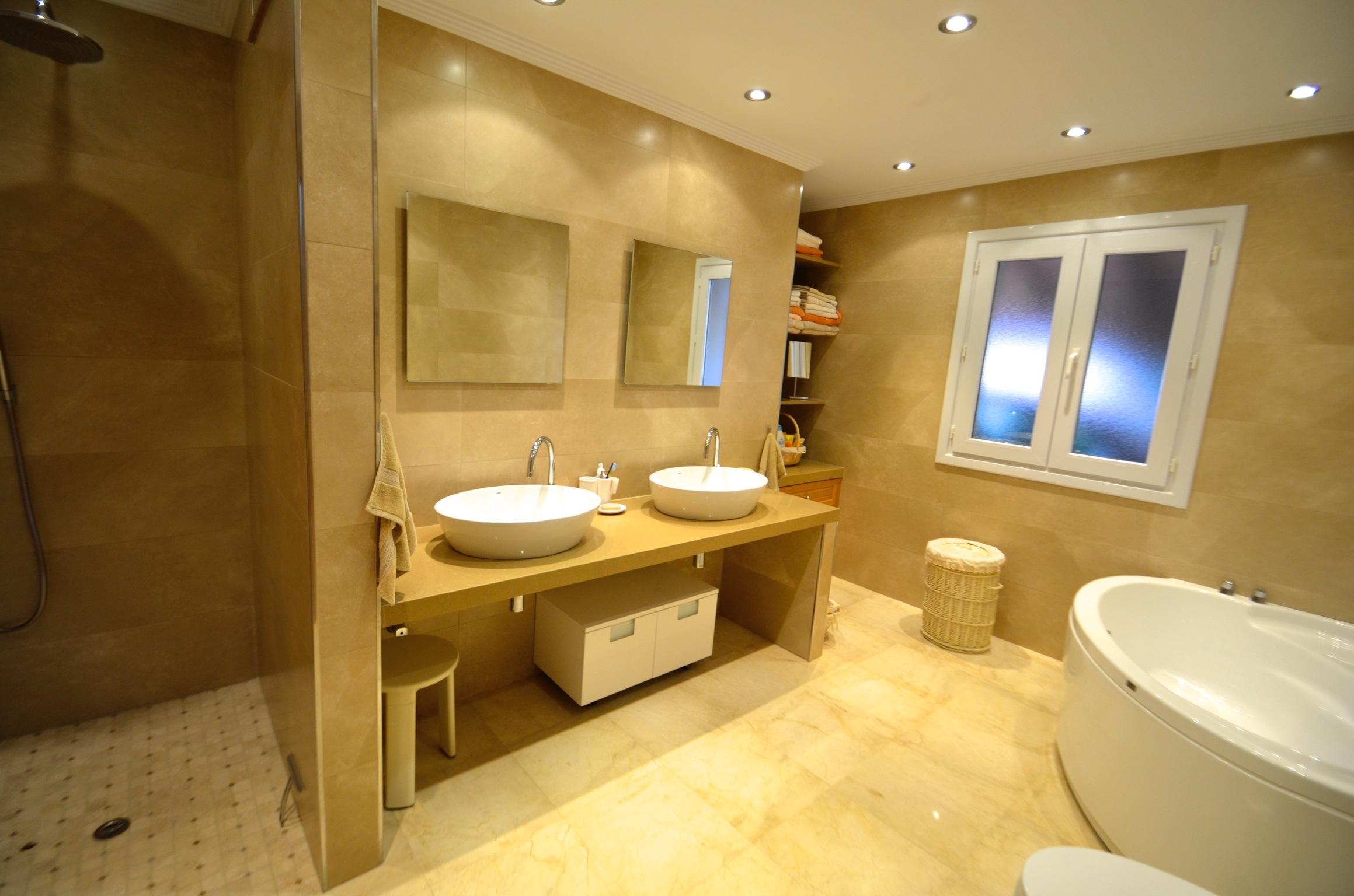 Mimosa Bathroom 3