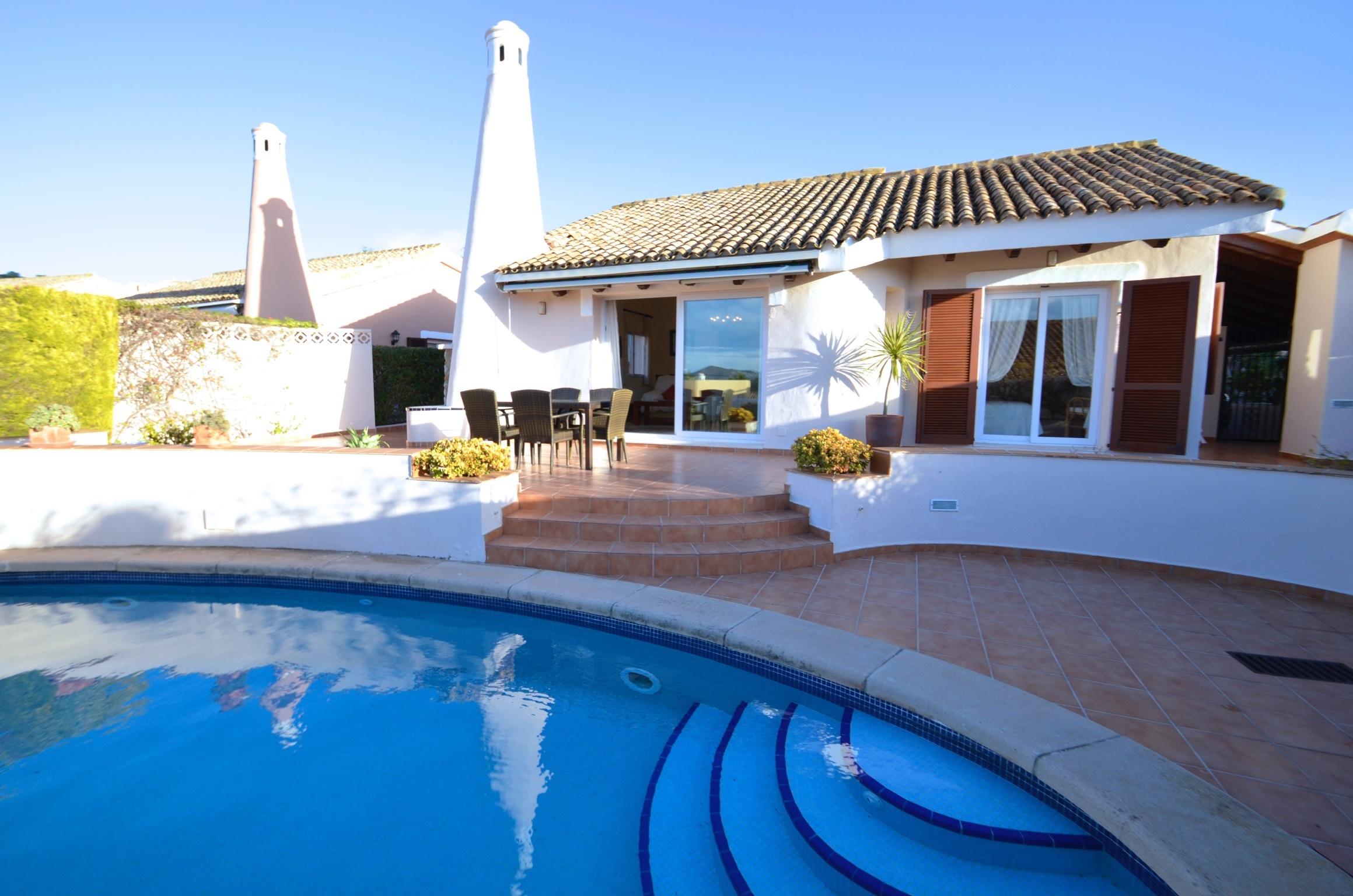 Mimosa's traditional villa and pool