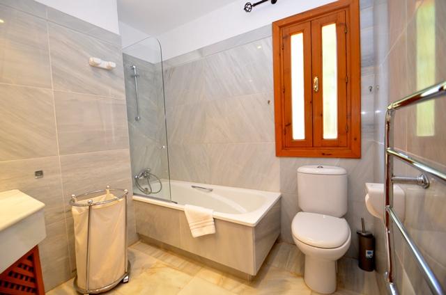 Solana Bathroom 2 1