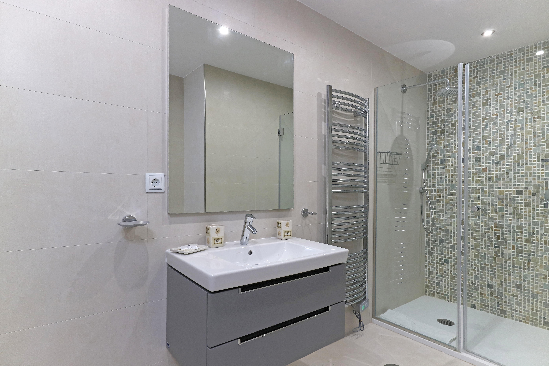 Aragon Bathroom 3