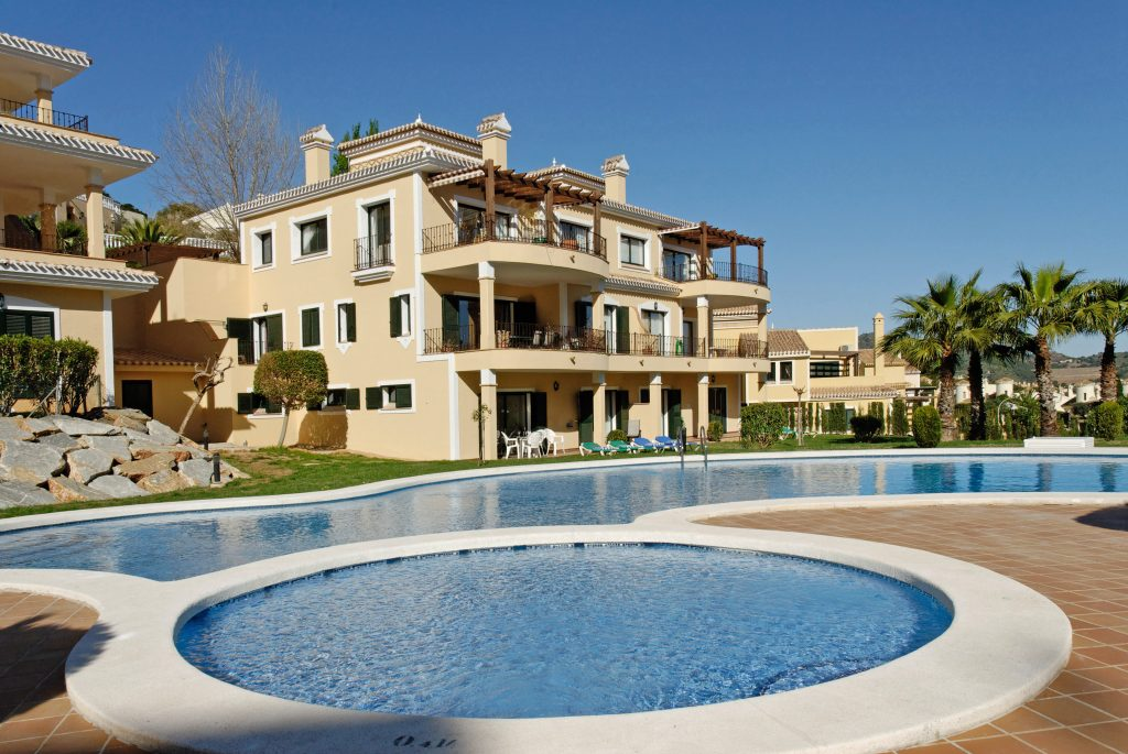 Aragon Pool is a popular choice for families with children