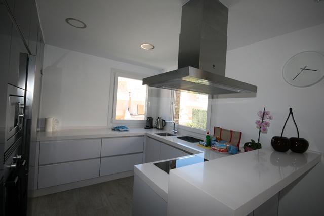 Verano Kitchen