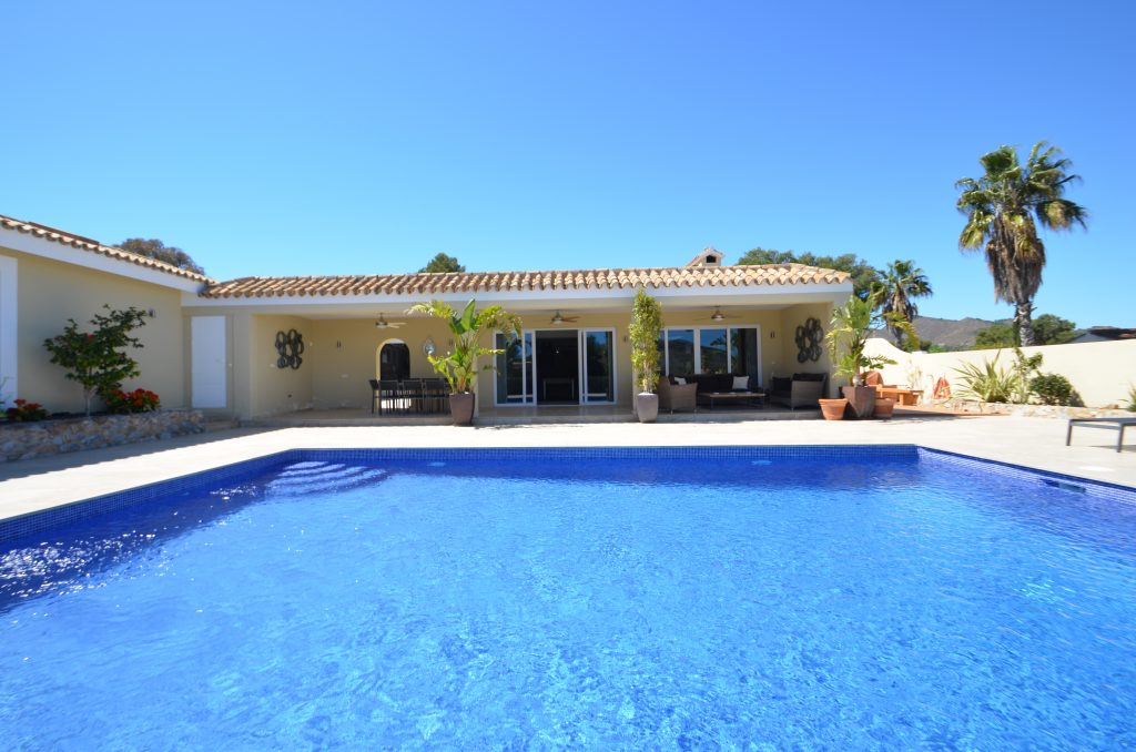 Casa Rosa promises a luxurious La Manga holiday Rear of Villa