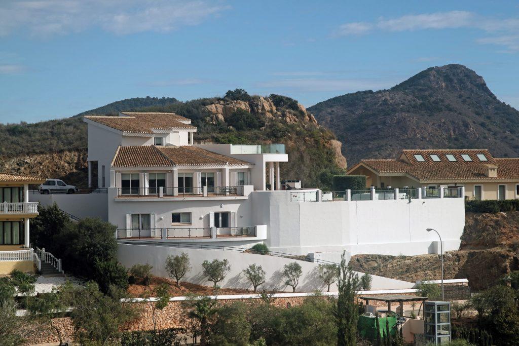 Tranquil Bellavista Villa